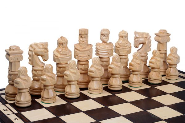 wooden gladiator chess set