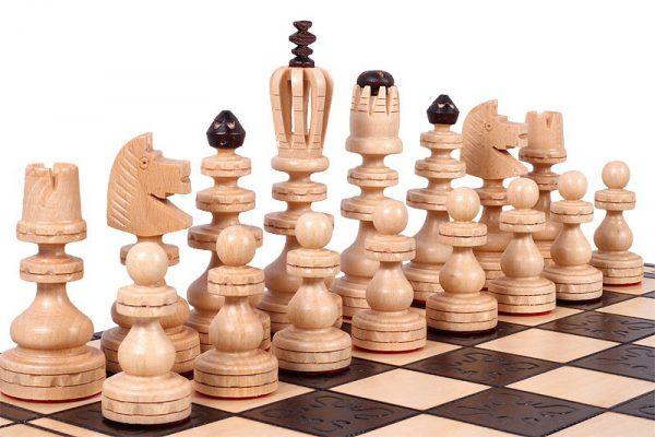 chess set roman wooden