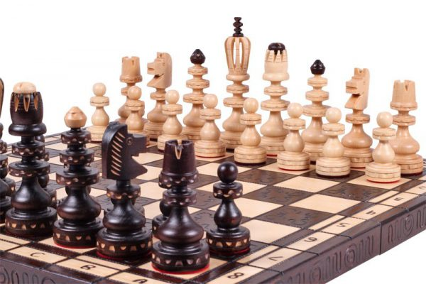 19 inch roman chess set