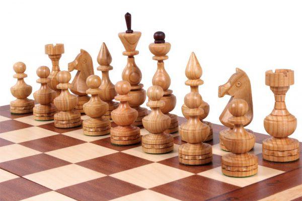 elegant chess set debiut
