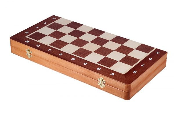 chess set light brown