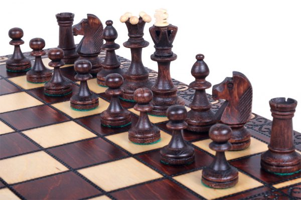 medium chess set senator