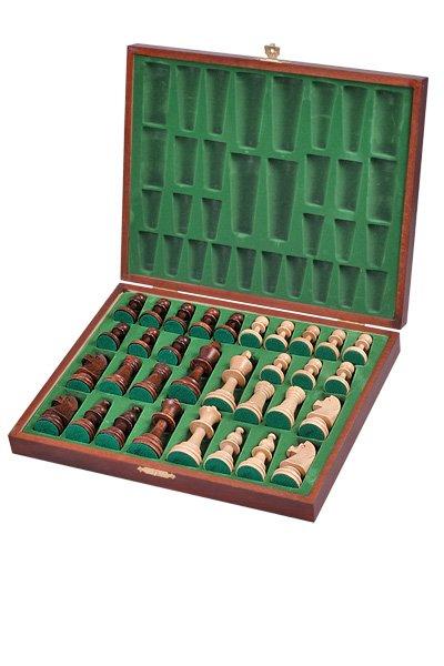 staunton delux chessmen
