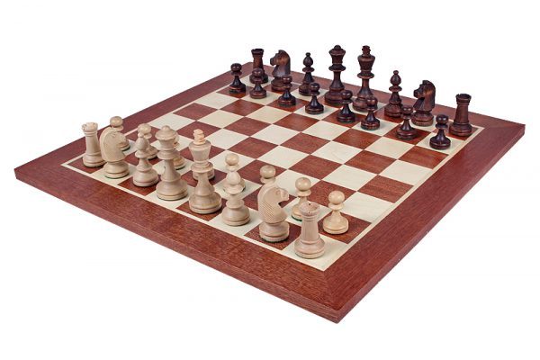 chess pieces with box staunton