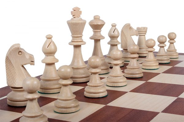 light chessmen staunton
